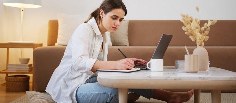 为什么选自考提升学历的女性越来越多?